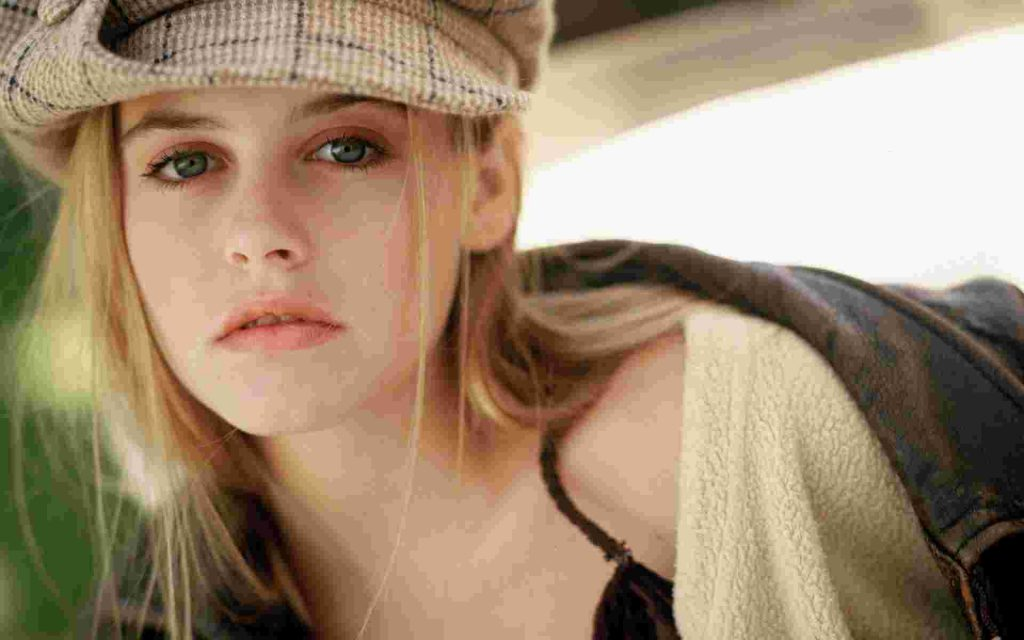Алисия Сильверстоун | 8 самых сексуальных актрис 90-х, по которым все сходили с ума | Zestradar