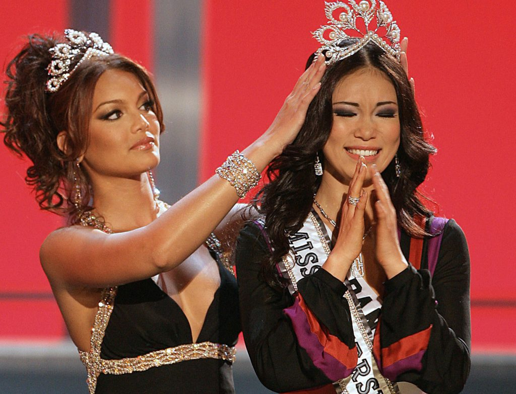 12 Most Beautiful Asian Miss Universe Winners #10 | Brain Berries