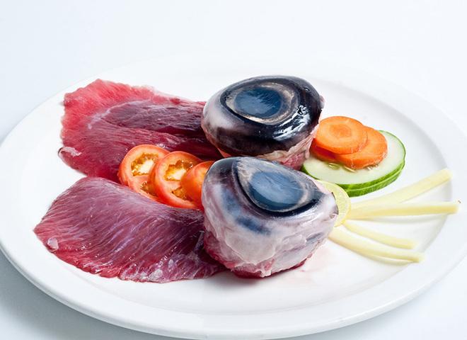 Глаза тунца | Самая странная еда в мире: а вы бы попробовали? | Zestradar