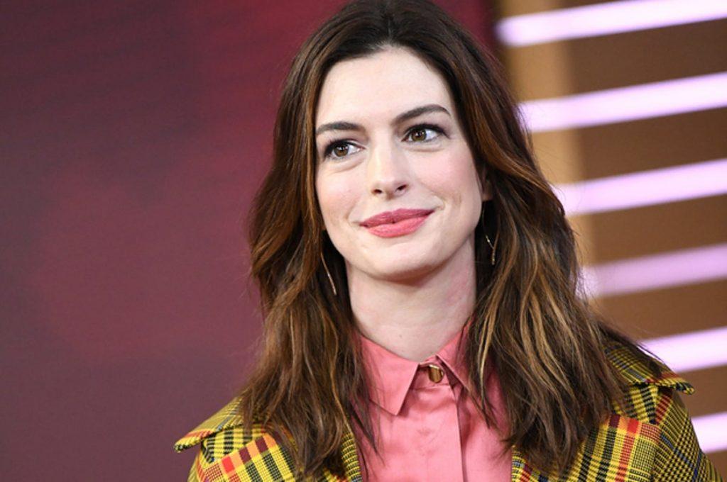 Anne Hathaway | 10 Most Attractive Actresses in 2020 | Zestradar