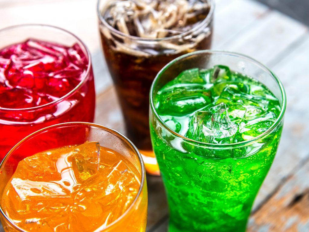 Газированные напитки | 8 самых вредных блюд на новогоднем столе | Zestradar