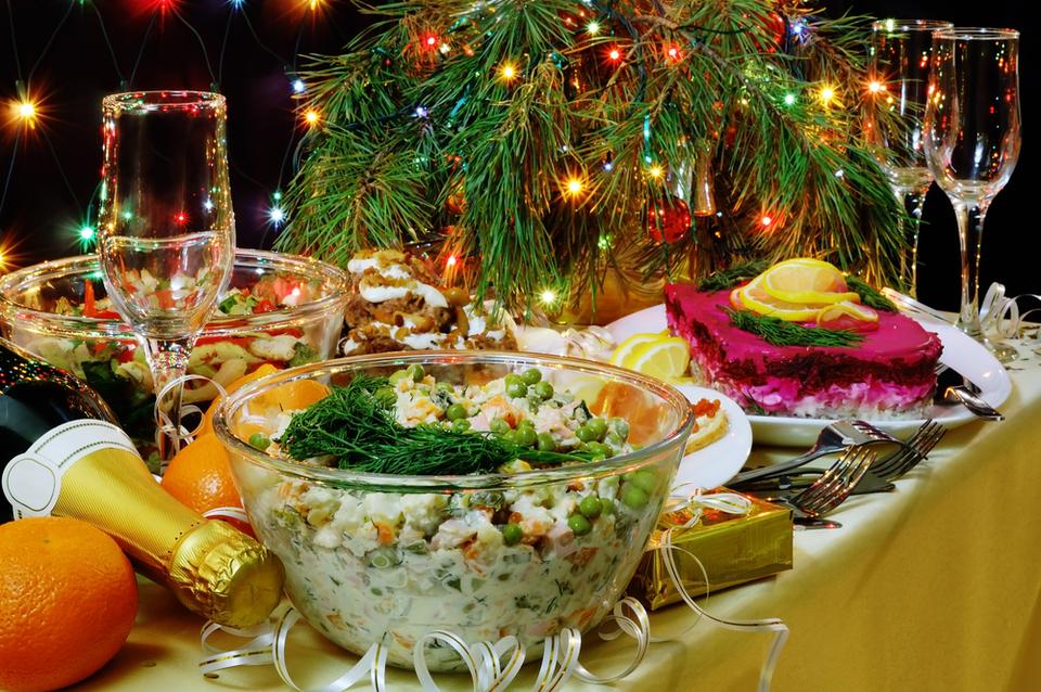 Шуба, мимоза и оливье | 8 самых вредных блюд на новогоднем столе | Zestradar