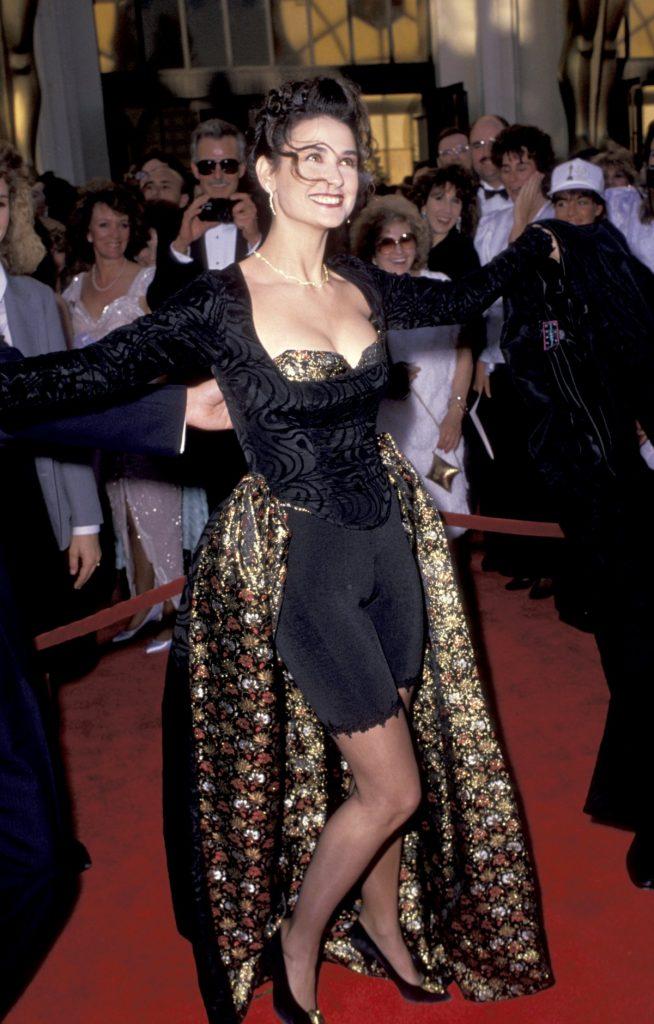 #11   Как развлекались звезды, когда на дворе стояли бурные 90-е   Zestradar