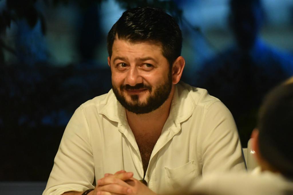 Михаил Галустян | Учителя, юристы, экономисты: кем планировали стать звезды до славы | Zestradar