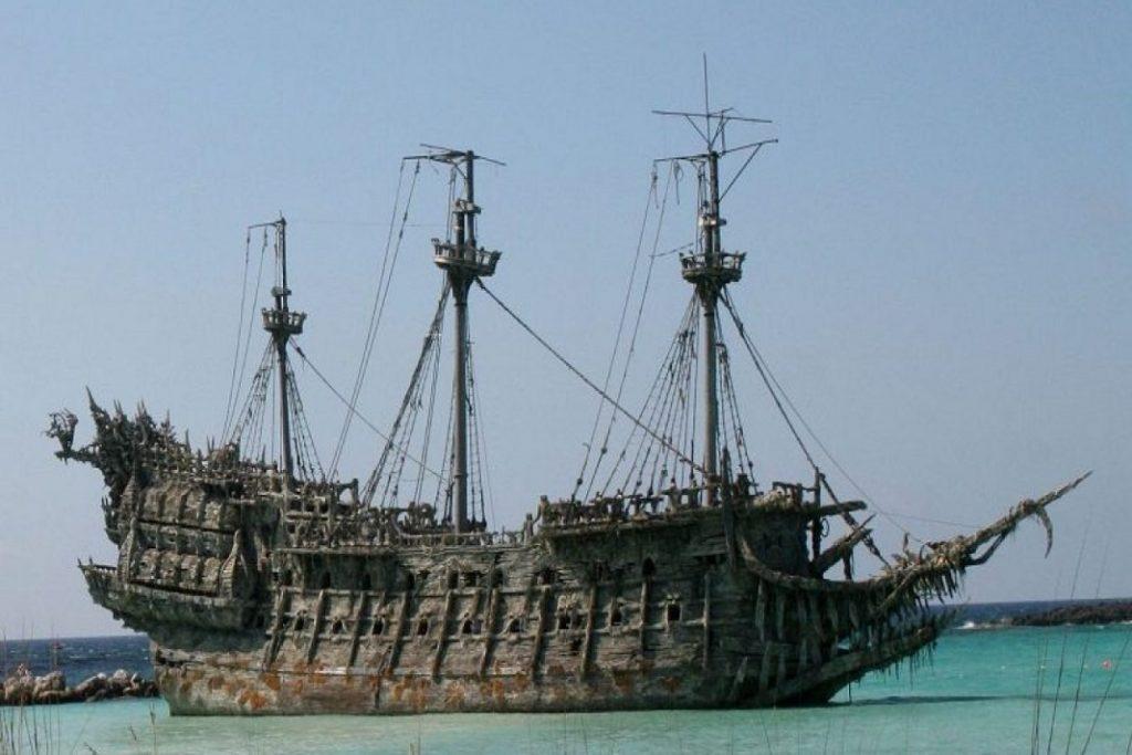 #1 |6 загадочных и жутких историй о кораблях-призраках| Zestradar