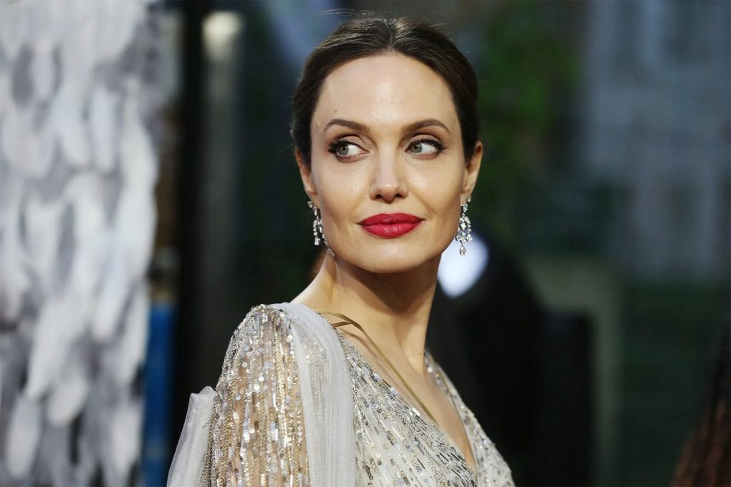 Angelina Jolie | 8 Most Overrated Hollywood Celebrities | Zestarar