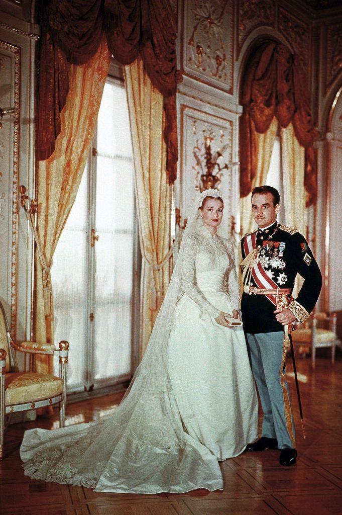 #12 | Лучшие модные образы европейских монархов | Zestradar