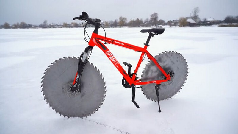 #1 | Some Guy Replaced The Tires on His Bike With Circular Saws Because Why Not | Zestradar