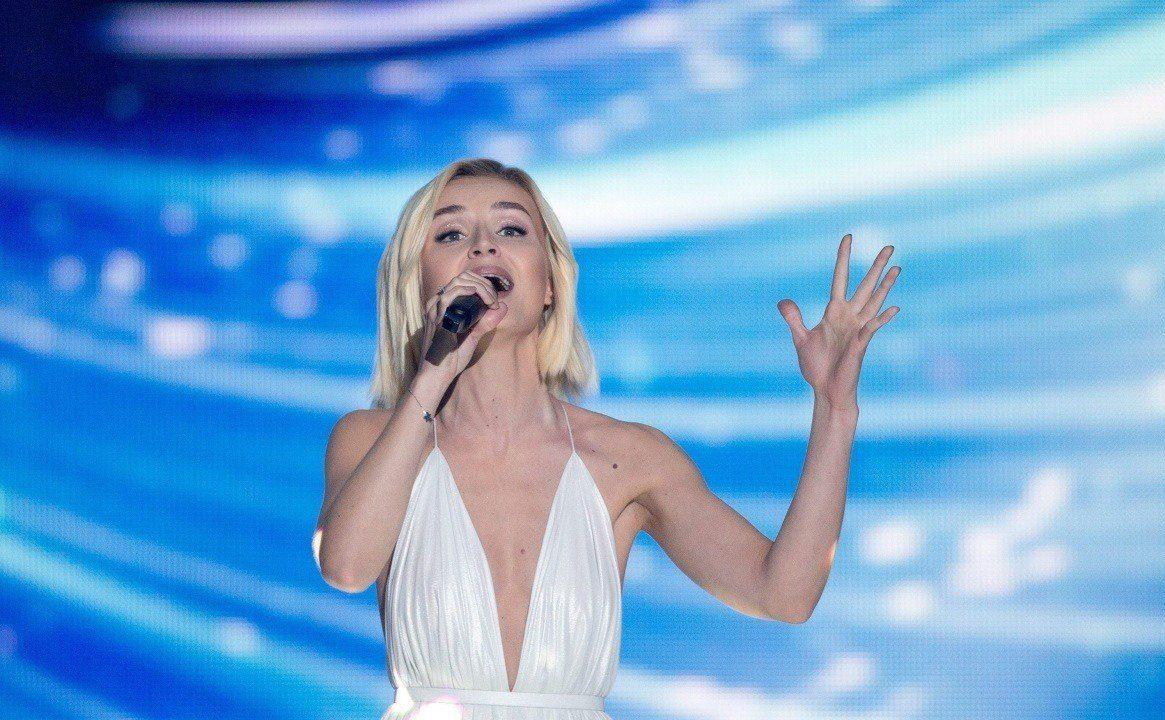 Полина Гагарина | 9 звезд, которые получили травмы на сцене | Zestradar