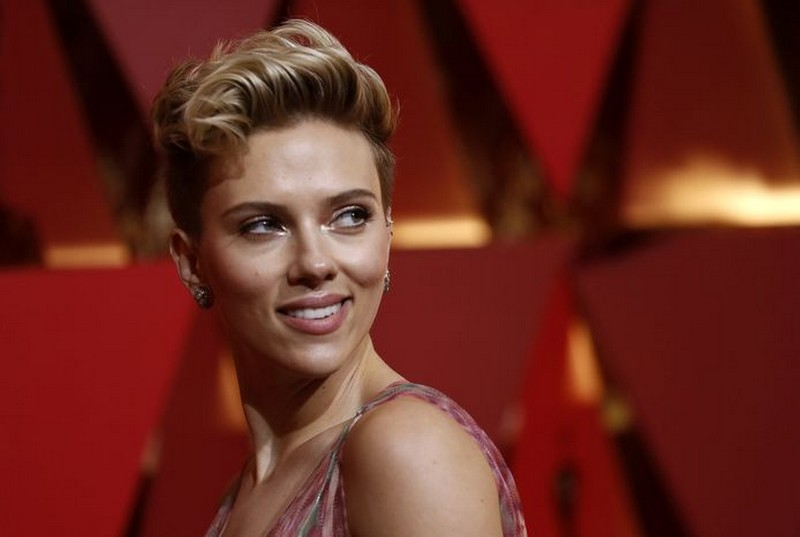 Scarlett Johansson | 8 Celebs Who Worked Hard on Their Look and Turned Into Goddesses | Zestradar