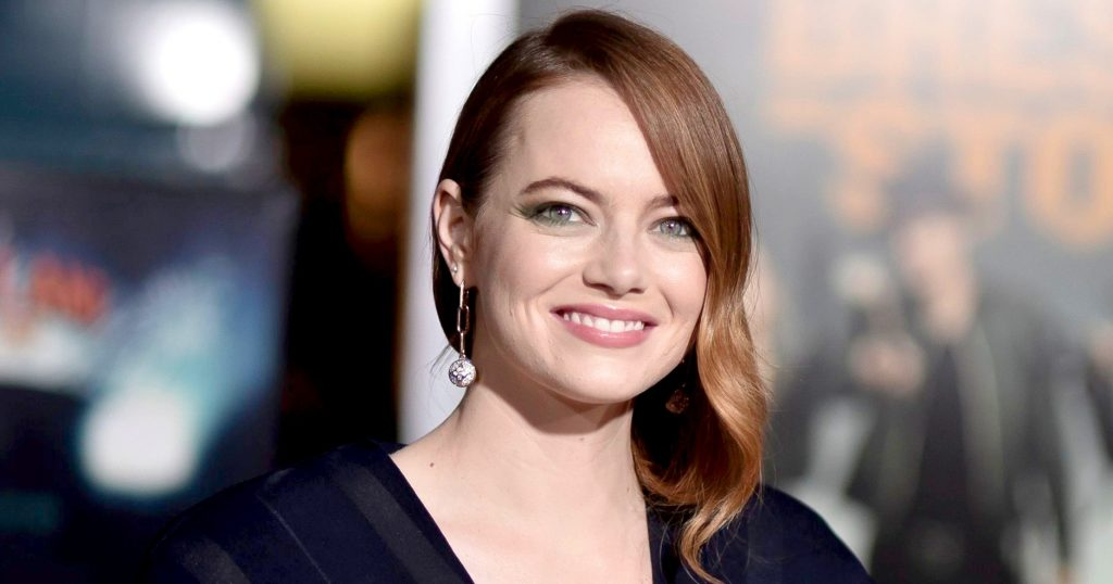 Emma Stone | 8 Celebs Who Worked Hard on Their Look and Turned Into Goddesses | Zestradar