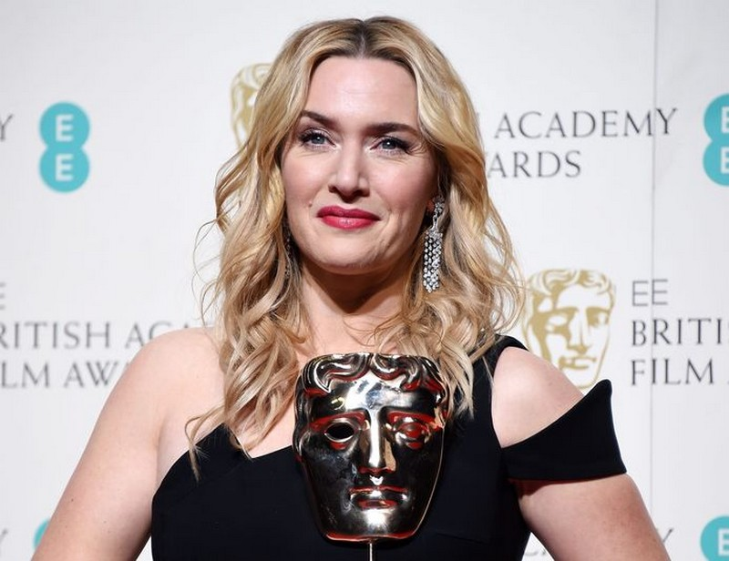 Kate Winslet  | 8 Celebs Who Worked Hard on Their Look and Turned Into Goddesses | Zestradar