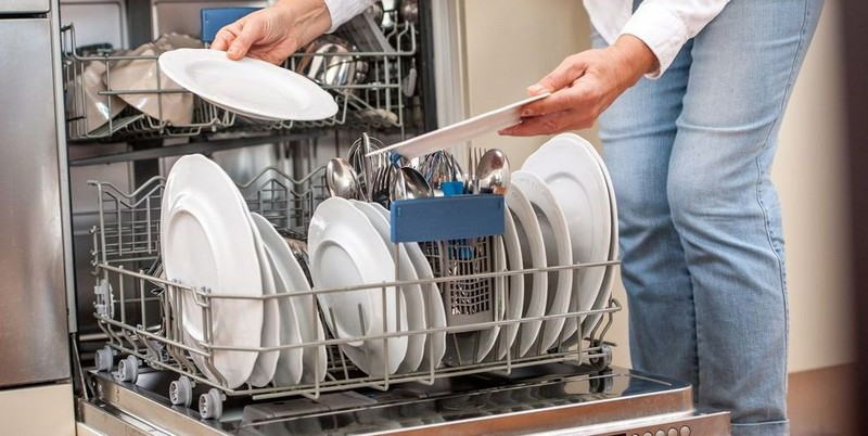 Dishwashers | 8 Inventions That You Probably Didn't Know Were Introduced By Women | Zestradar