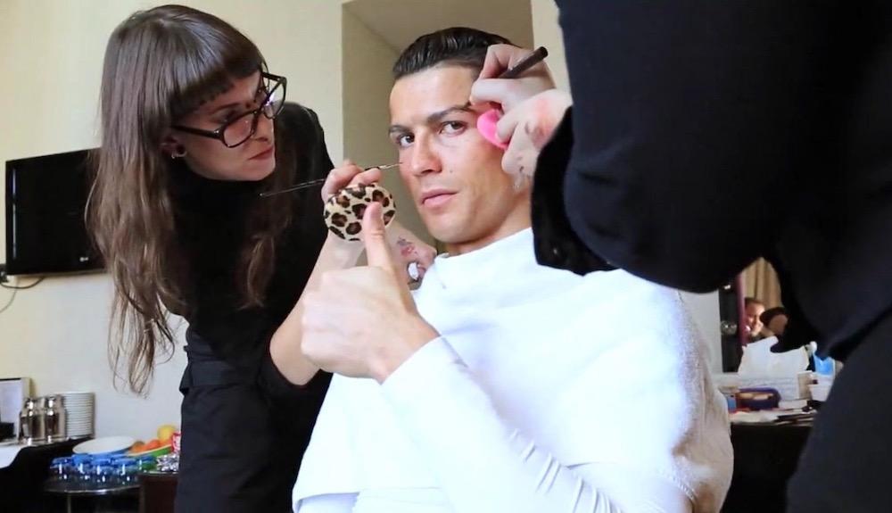 Christiano Ronaldo   10 Male Celebs Who Love Wearing Makeup   Zestradar