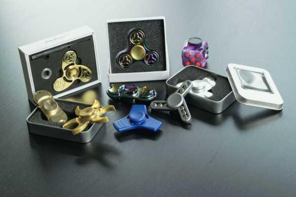 Спиннер | Симпл димпл, поп ит, слайм и другие «сумасшедшие» игрушки-антистрессы | Zestradar