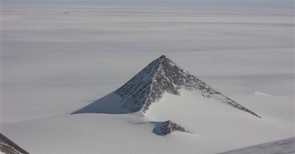Пирамиды  | Тайны ледяного континента: что учёным удалось найти во льдах Антарктиды | Zestradar