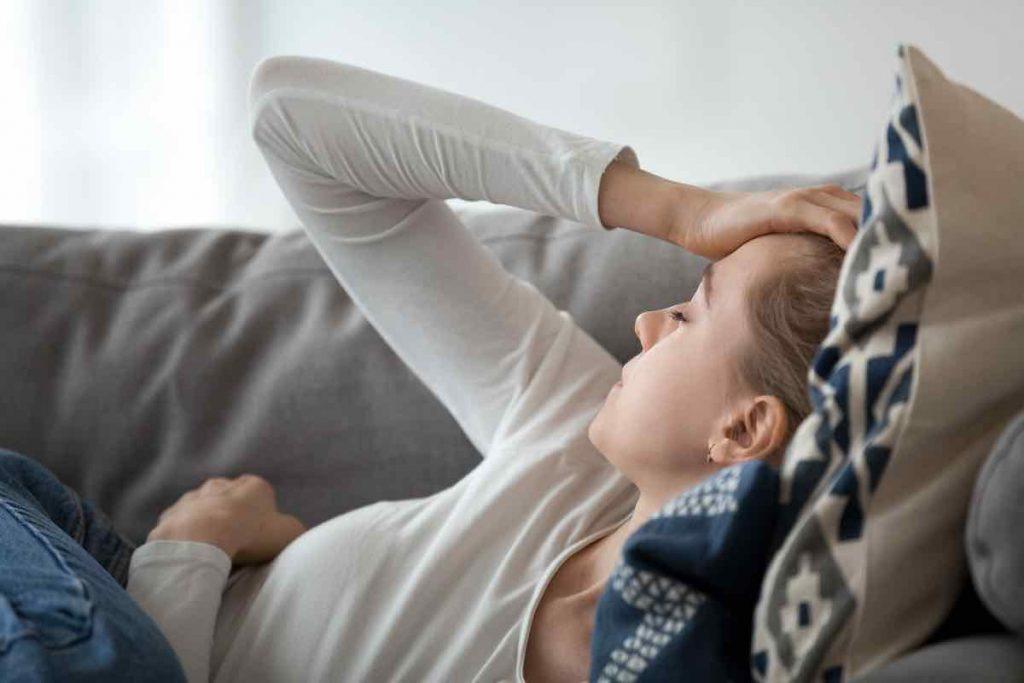 Пульсирующая головная боль   10 явных признаков того, что вы уже переболели COVID-19   Zestradar