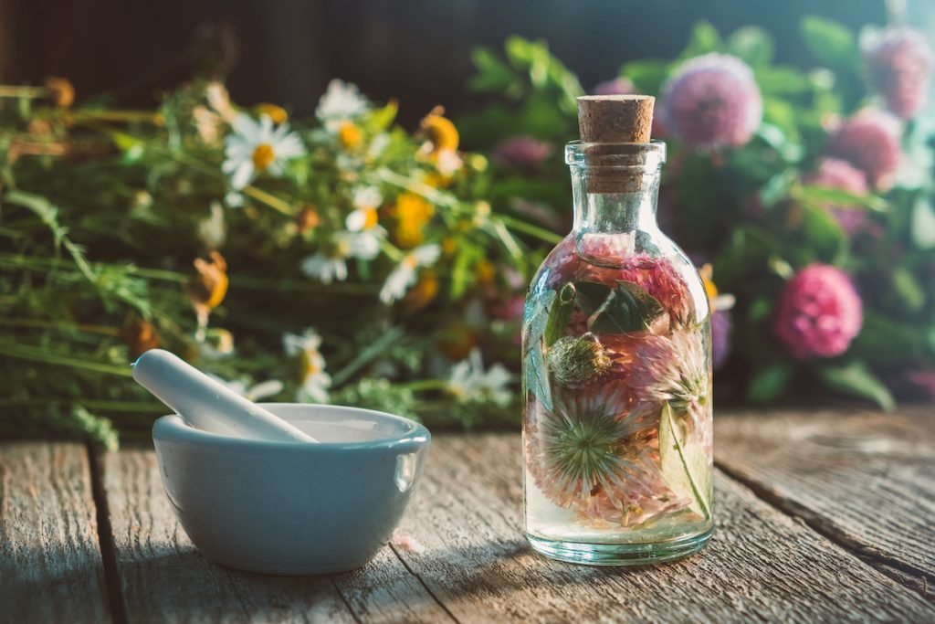 Herbal Tinctures | Bizarre Other Uses For Spices Rather Than Cooking | Zestradar