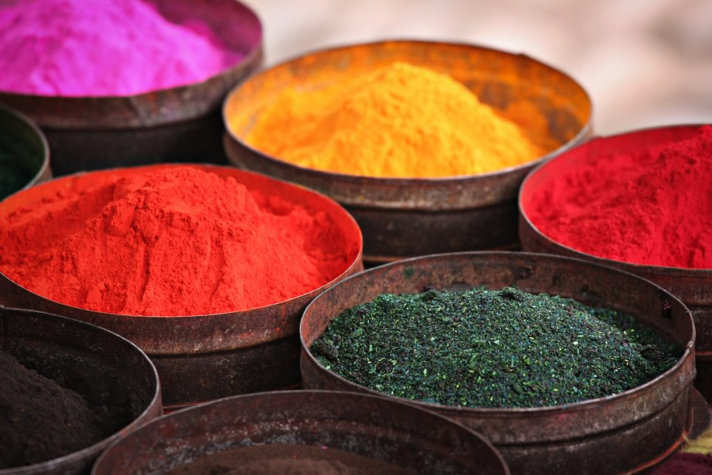 Paint | Bizarre Other Uses For Spices Rather Than Cooking | Zestradar