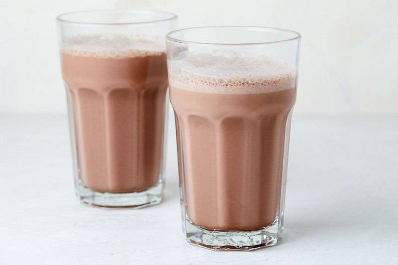 Chocolate milk | The Best High Energy Foods For When You're Totally Wiped | Zestradar