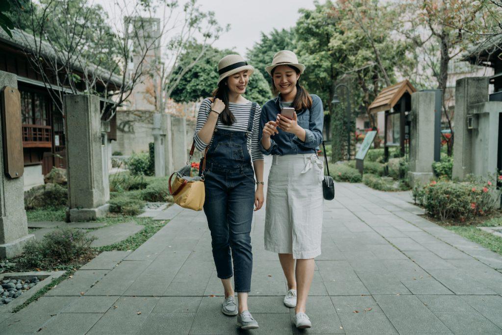 They Walk A Lot    8 Reasons Korean Women Don't Get Fat   Zestradar