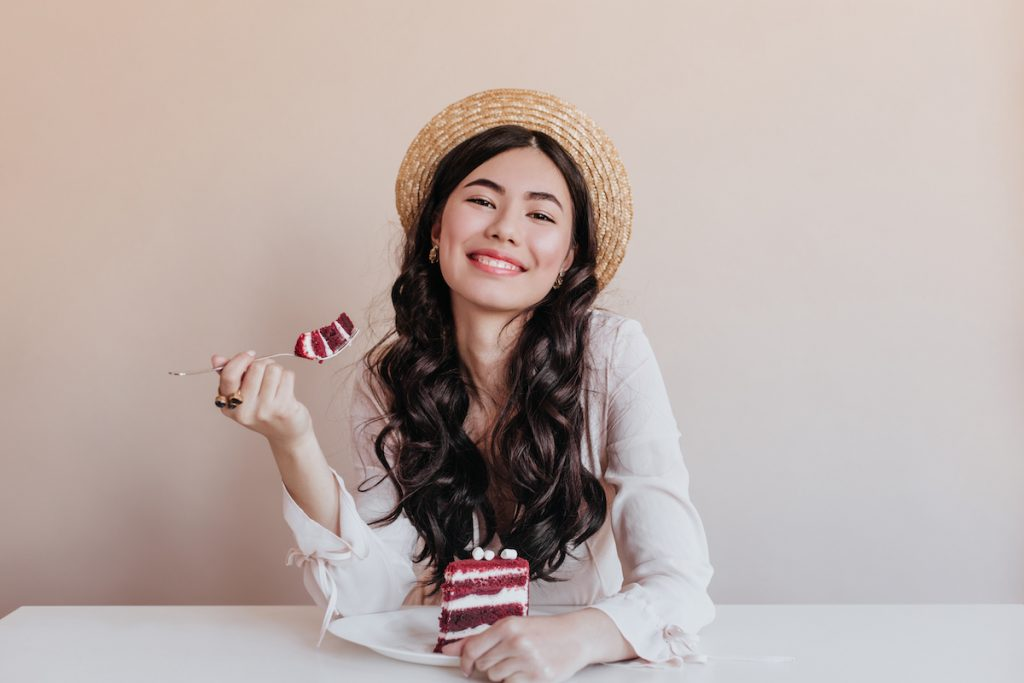 They Eat Sweets In Moderation   8 Reasons Korean Women Don't Get Fat   Zestradar