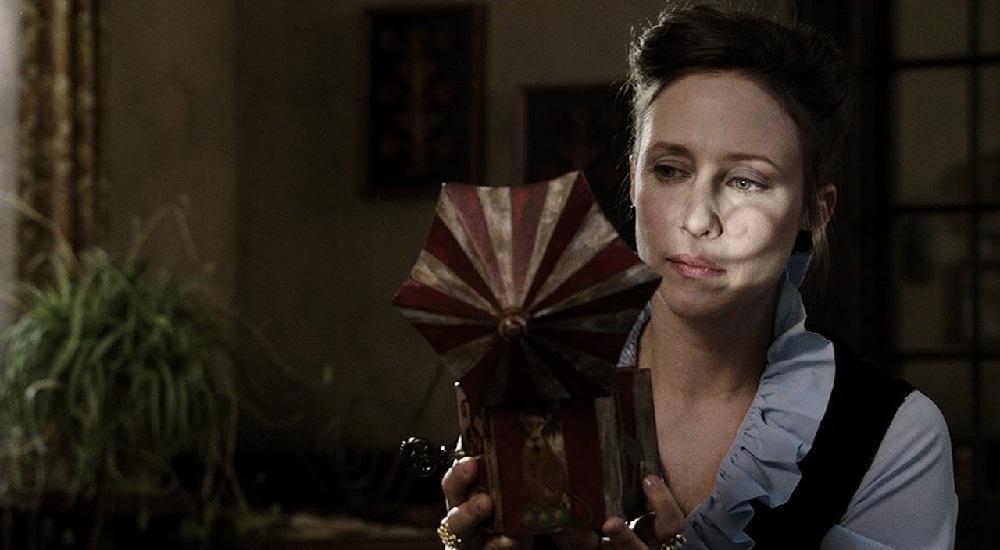 «Заклятие», 2013   Круче «Битвы экстрасенсов»: 7 мистических фильмов, от которых мурашки по коже  Zestradar