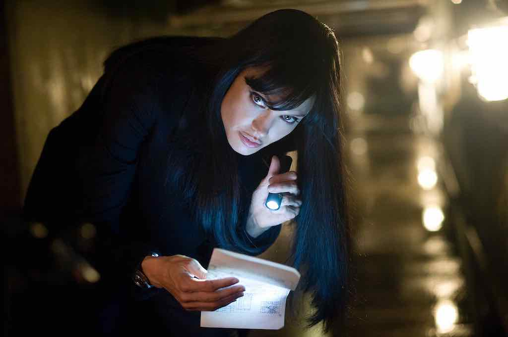 Evelyn Salt | 9 Best Female Assassin Movies | Zestradar