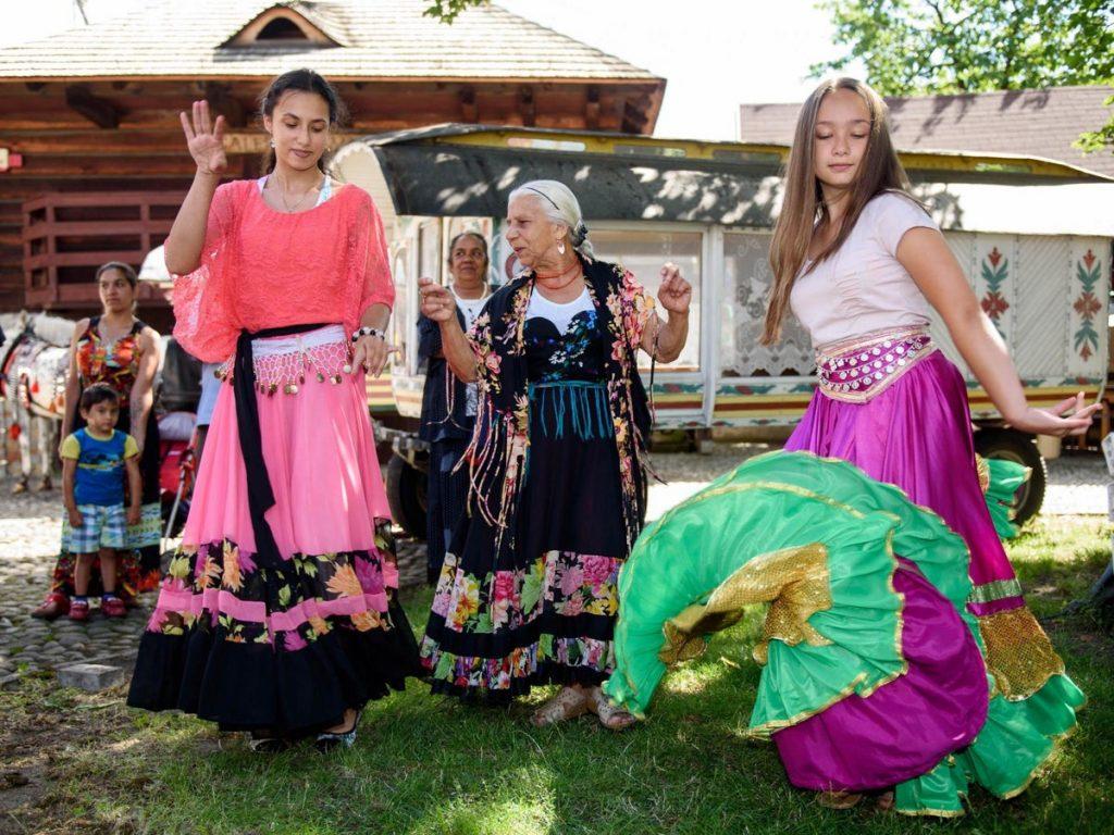 Their Origins | Fascinating Facts About Romani | Zestradar
